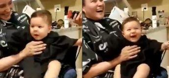 Un bébé qui s'est fait couper les cheveux avec une tondeuse fait rire toutes les personnes du salon