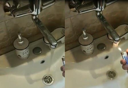 L'eau de ce robinet contient une substance inflammable, lorsqu'on met un feu, elle s'enflamme