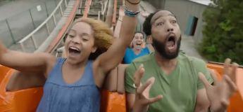Une pub pour un grand huit fait appel à un acteur qui est effrayé par cela et c'est encore plus drôle (vidéo)