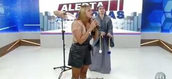 Cette femme chante en yaourt Total eclipse of the heart et c'est la panique sur le plateau !