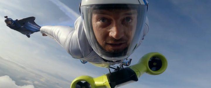 Voler autrement avec ce wingsuit motorisé de BMW