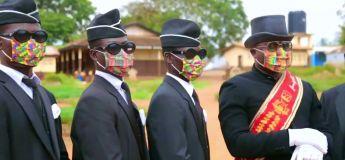 Une marque africaine de masques (à partir de chaussettes) s'empare du Coffin meme pour leur promo
