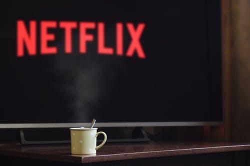Comment diffuser des films/videos sans fil sur ma TV ? 5 astuces simples